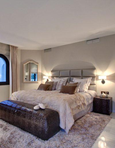 villa-marbella-bedroom-ambience-home-design-03