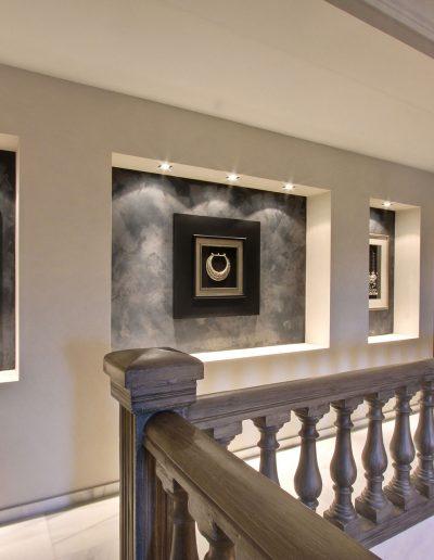 villa-marbella-entrance-hall-balcony-ambience-home-design-01